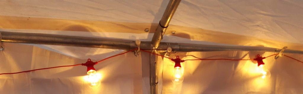 Ljusslinga i taket på kaffetältet